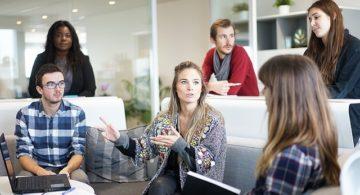 No ambiente de trabalho, você é chefe ou líder?