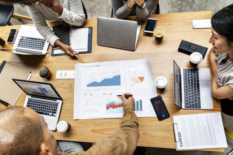 Tecnologia e marketing ajudam escritórios de advocacia a conquistar clientes capa