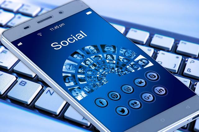 mídia online